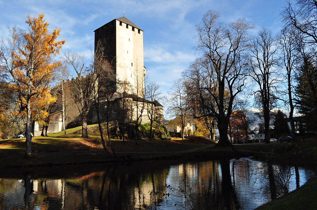 Schloss Bruck mit seinem Schlossteich / Foto: Wikipedia / Lambert Oitzinger / CC-BY-SA 3.0