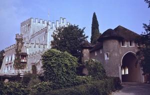 Eingang zu Schloss Itter / Foto: Wikipedia / Steve J. Morgan / CC-BY-SA 3.0