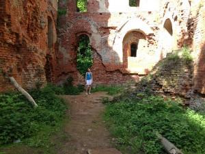In der Ruine von Burg Balga (2013) / Foto: Wikipedia / Калинин Павел / CC-BY-SA 3.0