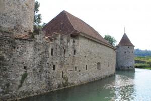 Immer noch trutzig: Schloss Hallwyl mit Wassergraben