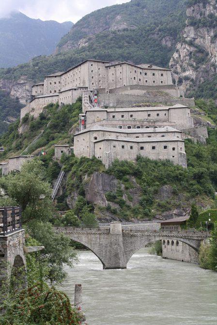 Das Fort di Bard im Aostatal: Drehort für die Avengers / Foto: Wikipedia / Luigi Ippolito / CC-BY-SA 3.0