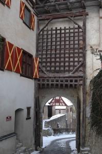 Burg/Schloss Harburg: Fallgatter am Oberen Tor / Foto: Wikipedia / Tschai-Pi / CC-BY-SA 3.0