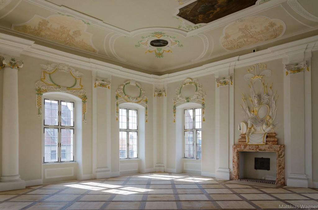 Hier schwoften die Grafen: Der Festsaal nach der Restaurierung / Festsaal im Schloss Harburg © Deutsche Stiftung Denkmalschutz