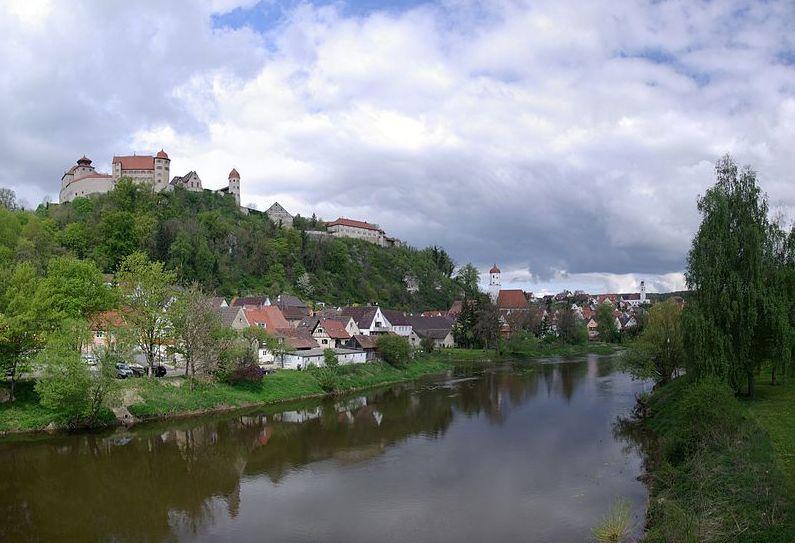 Burg Harburg thront über Harburg an der Wörnitz im bayerischen Teil Schwabens / Foto: gemeinfrei