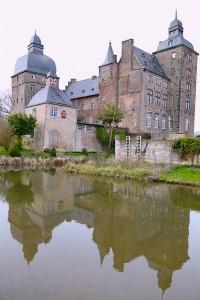 Das Wasserschloss Myllendonk in Korschenbroich (Rhein-Kreis Neuss)