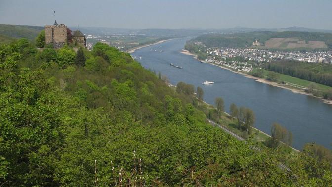Blick auf Burg Rheineck über dem Mittelrhein / Foto: Wikipedia / Doris Antony / GFDL