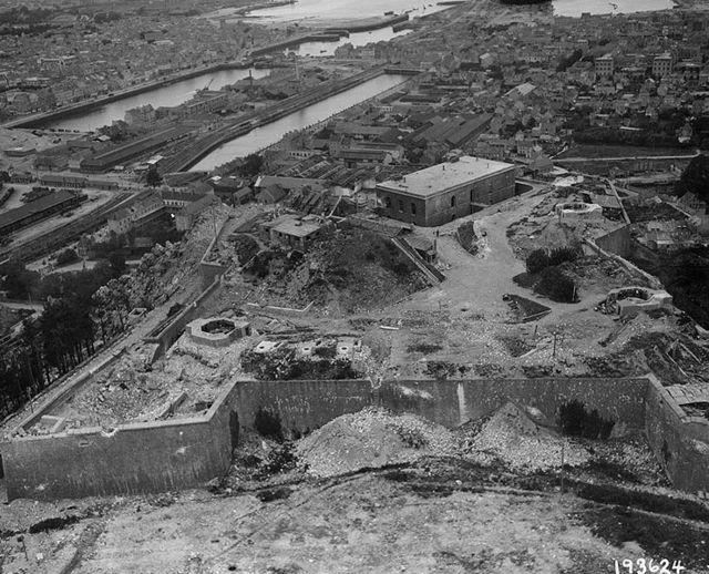 Die Bunker im Hafen und die Hafenanlagen von Cherbourg wurden im Juni 1944  weitgehend zerstört. / Foto: gemeinfrei
