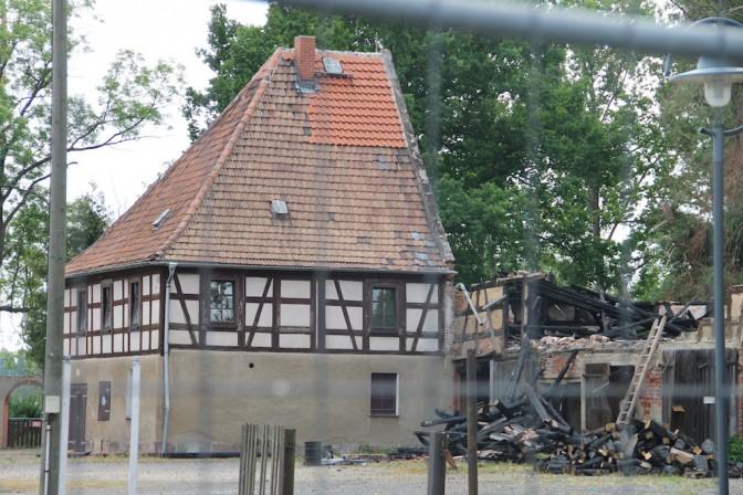 Brandschaden am Nebengebäude von Schloss Wiederau