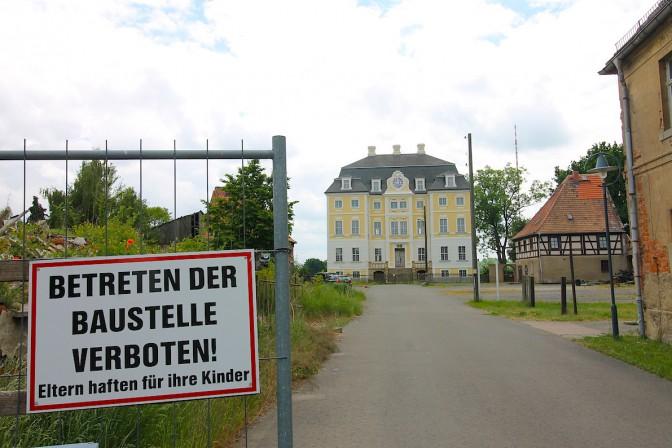 Nach dem Brand ist das Schlossgelände wieder Baustelle