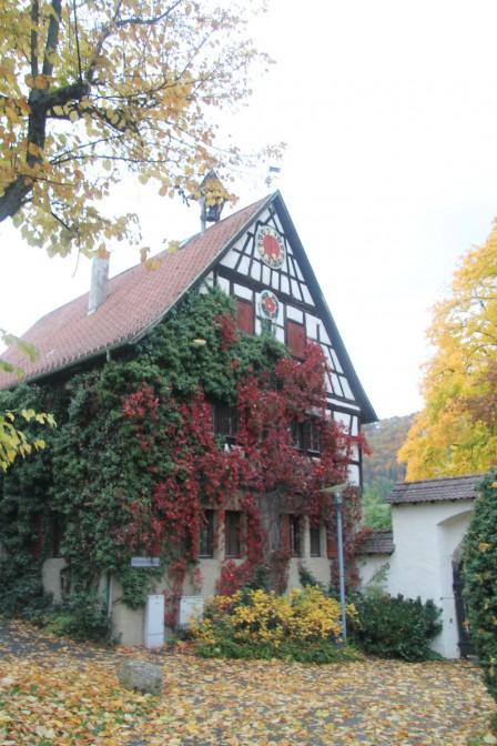 Fachwerkgebäude auf dem Schloss-Grundstück