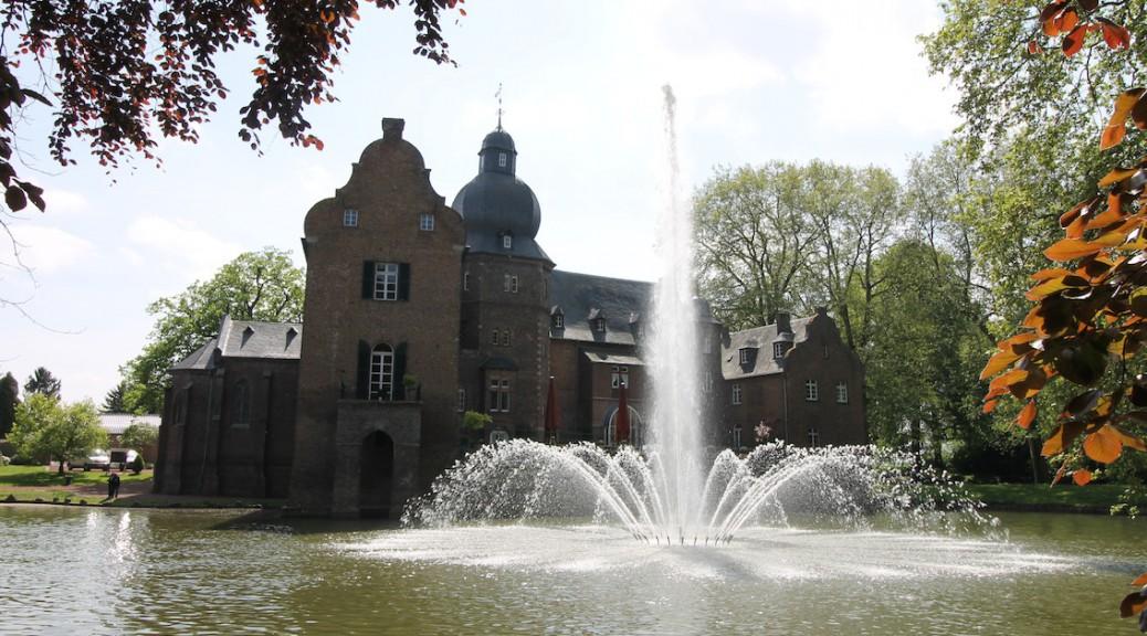 Burg Bergerhausen Fontaene