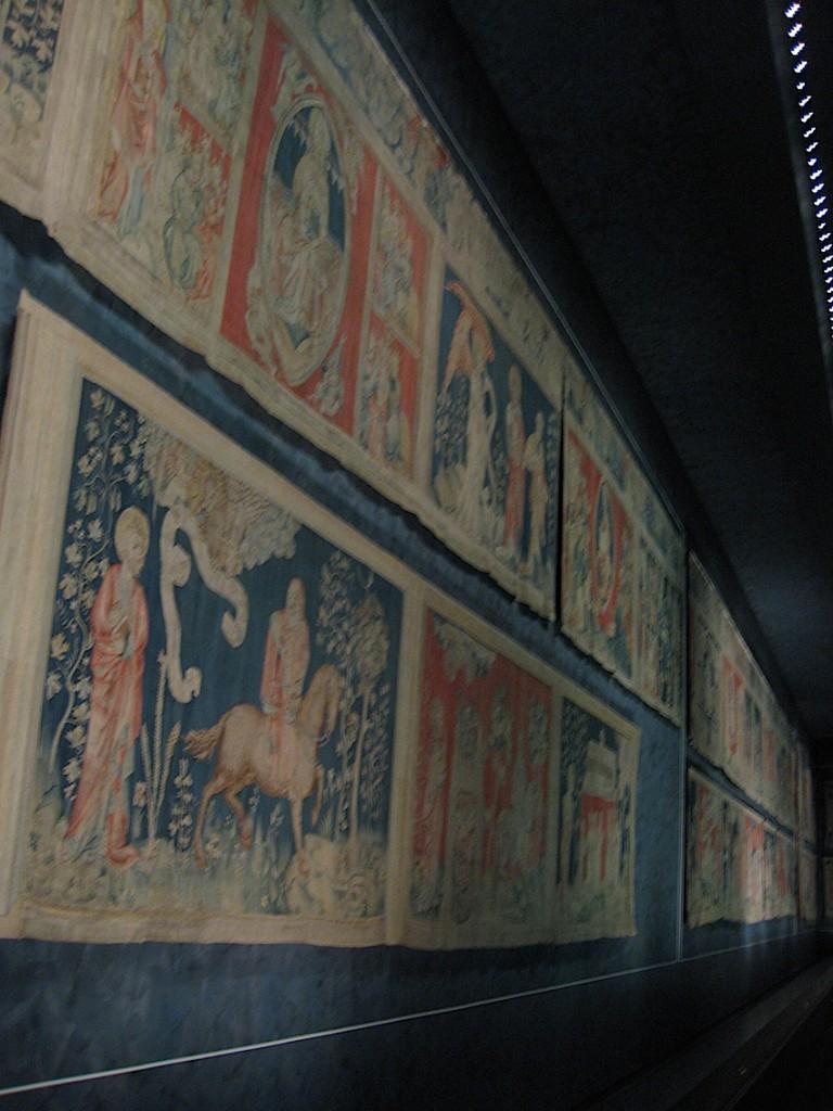 Der längste erhaltenen mittelalterliche Wandteppich der Welt: Die Galerie der Apokalyspe