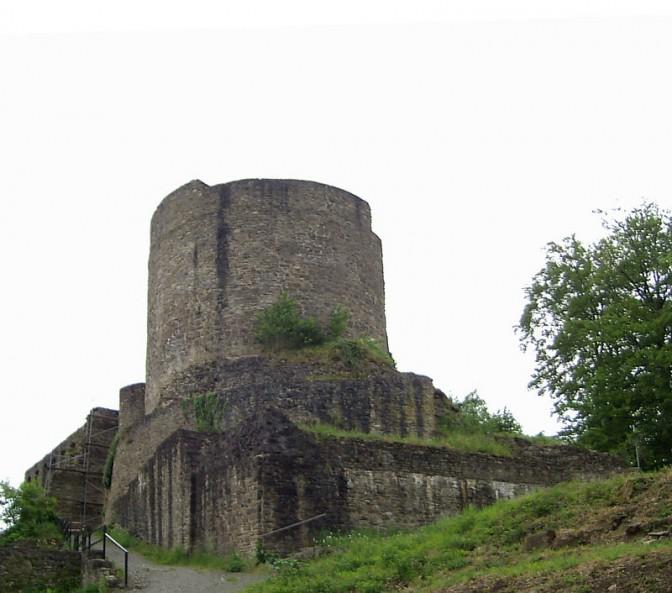 Bergfried der Burg Windeck / Foto: Wikipedia / Rauenstein ( CC-BY-SA 3.0