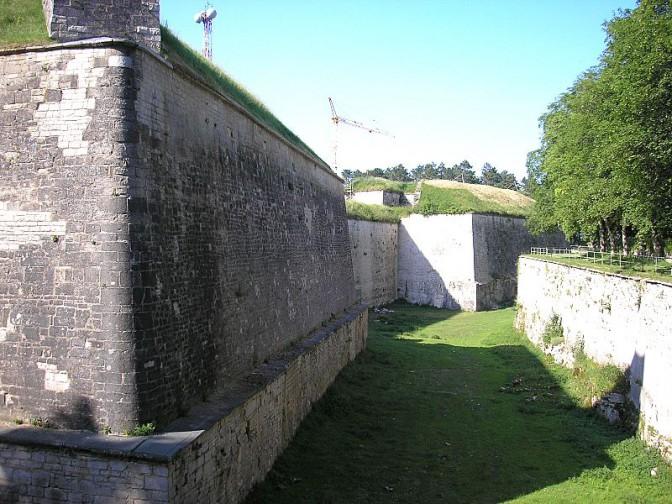 Graben und Wall der Festung Wülzburg / Foto: Wikipedia / Dark Avenger / CC-BY-SA 3.0