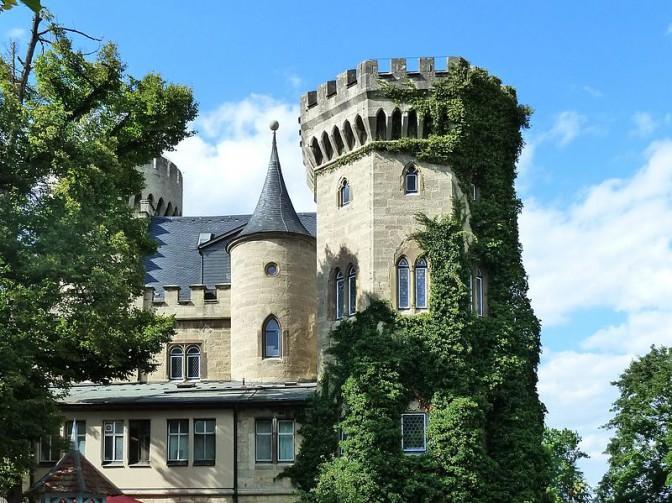 Die Architektur ist von englische Adelssitzen inspiert / Foto: Wikipedia / Kramer96 / CC-BY-SA 3.0