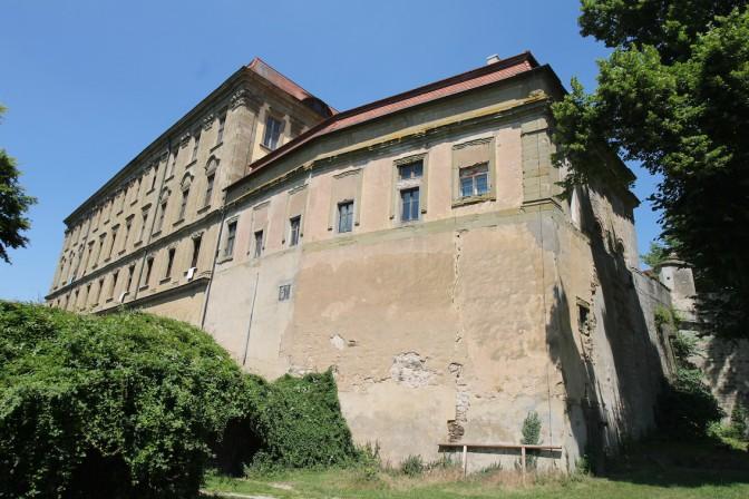 Die Außenfront von Schloss Schillingsfürst