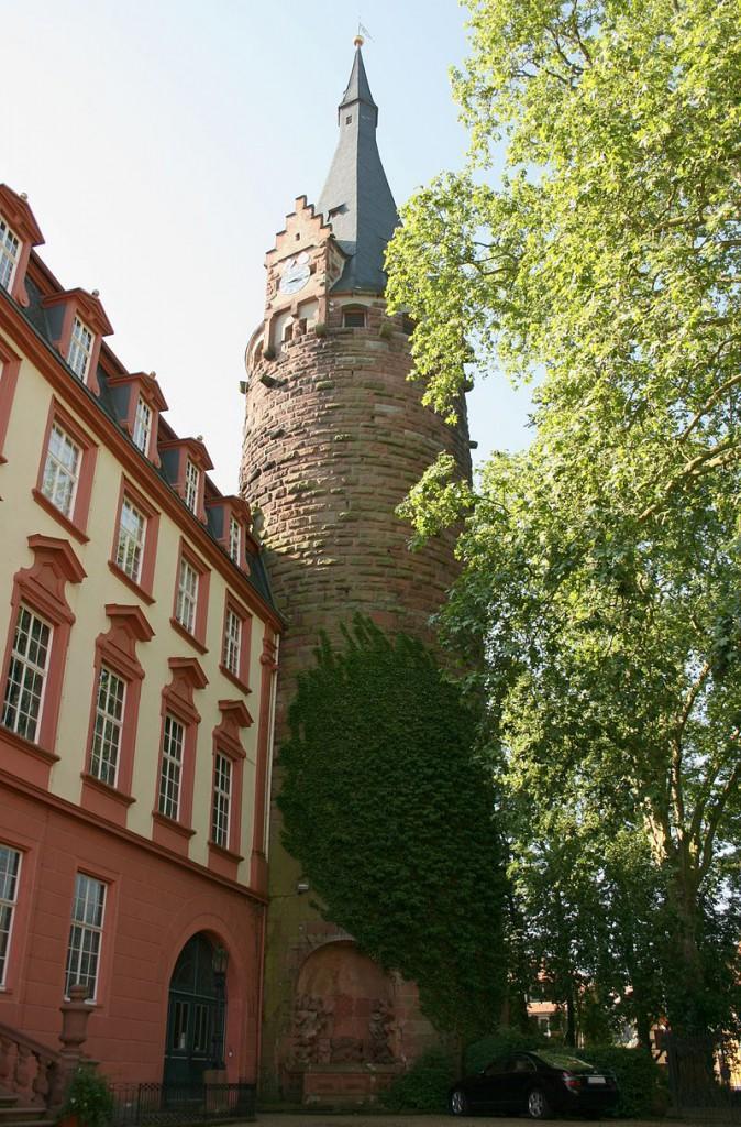Der neunstöckige Bergfried von Schloss Erbach / Foto: Wikipedia / Haselburg-Müller / CC-BY SA 3.0