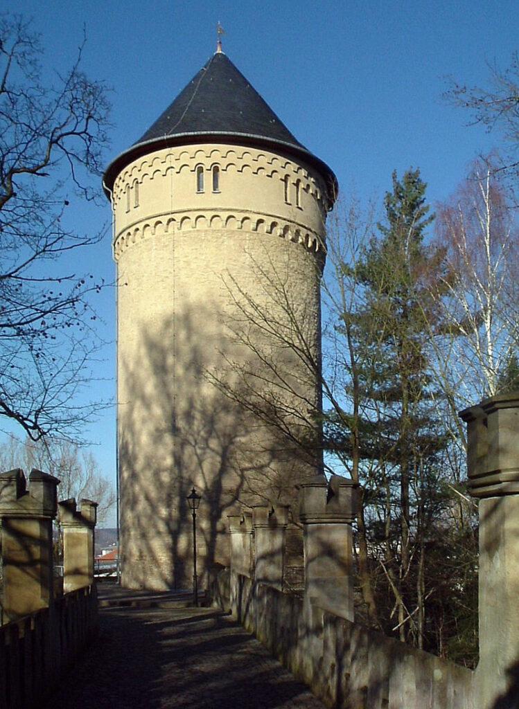 Der erhaltene Bergfried von Schloss Osterstein / Foto: Wikipedia / Steffen Löwe / CC-BY-SA 3.0