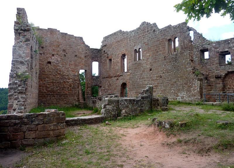 Burg-hohenecken2