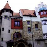 Burg Schwaneck wird Heim für junge Flüchtlinge