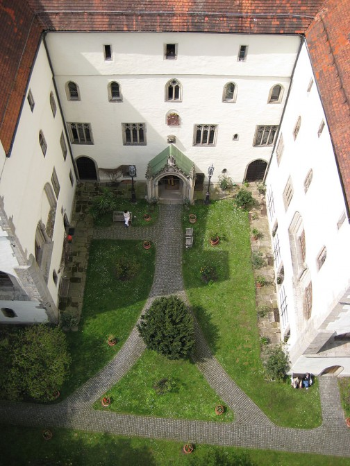 Blick vom Bergfried in den Innenhof von Schloss Egg / Foto: Wikipedia / Aconcagua / CC-BY-SA 3.0