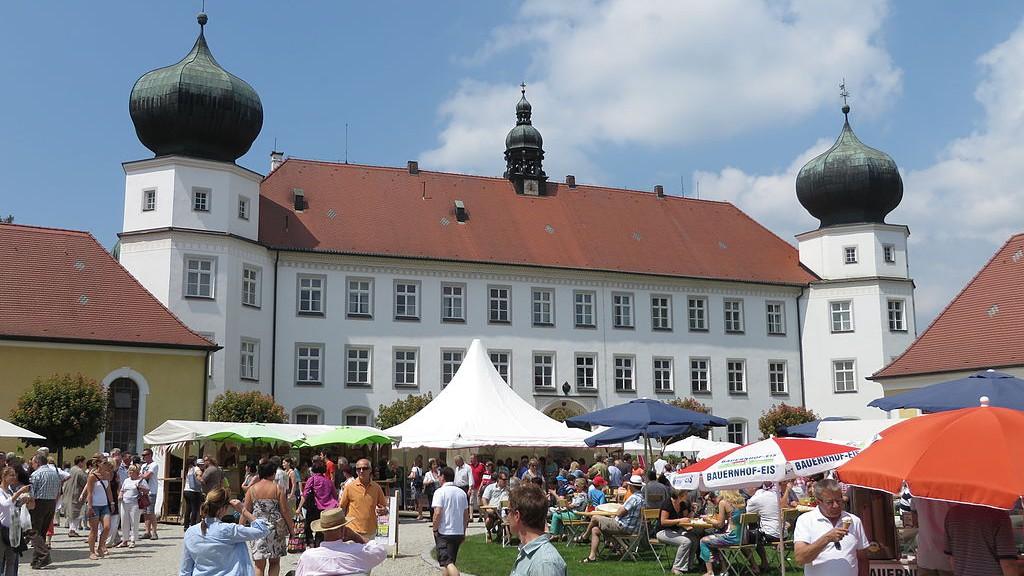 Schloss_Tuessling