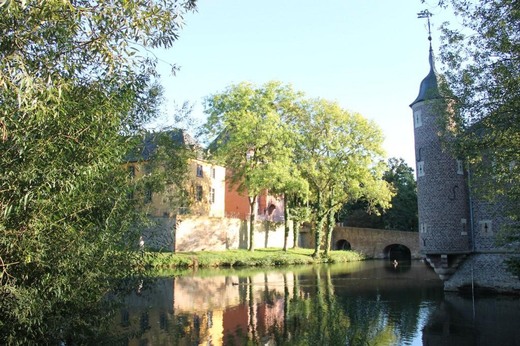 Schloss Burgau: Ein ansehnliches Wasserschloss in Düren / Fotos: Burgerbe.de