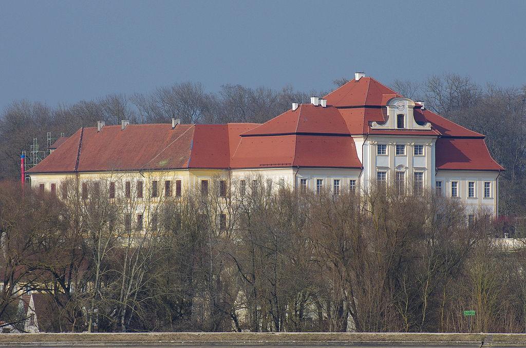 Schloss Bertoldsheim von Süden / Foto: Wikipedia / Rikiwiki / CC-BY-SA 4.0