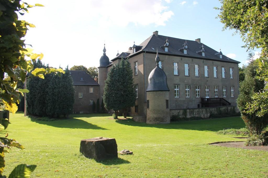 Schloss Nörvenich mit den charakteristischen Türmchen