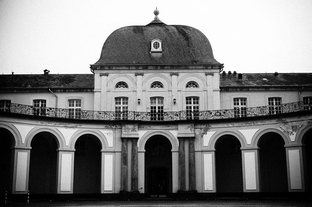 Die Hofseite des Schlosses: Hier könnte sich die Glaskuppel erheben / Foto: Wikipedia / Fkreuz / CC-BY.SA 3.0