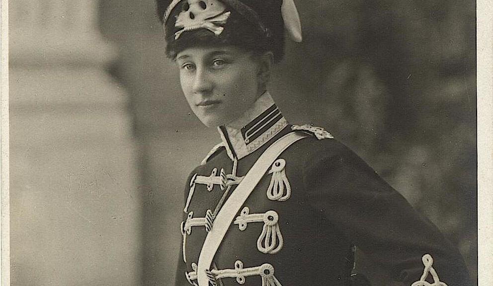 Postkarte_VictoriaLuisein-Uniform_pr