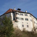 Oberarzt rettet Schloss Schönberg bei Regensburg