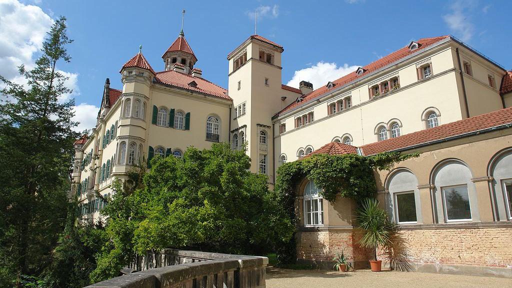 Einfahrt von Schloss Waldenburg / Foto: Wikipedia / Kolossos / CC-BY-SA 3.0