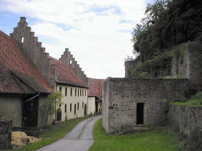 Burg Ehrenberg: Die Innere Vorburg / Foto (und auch Foto oben): Wikipedia / p.schmelzle / CC-BY-SA 3.0