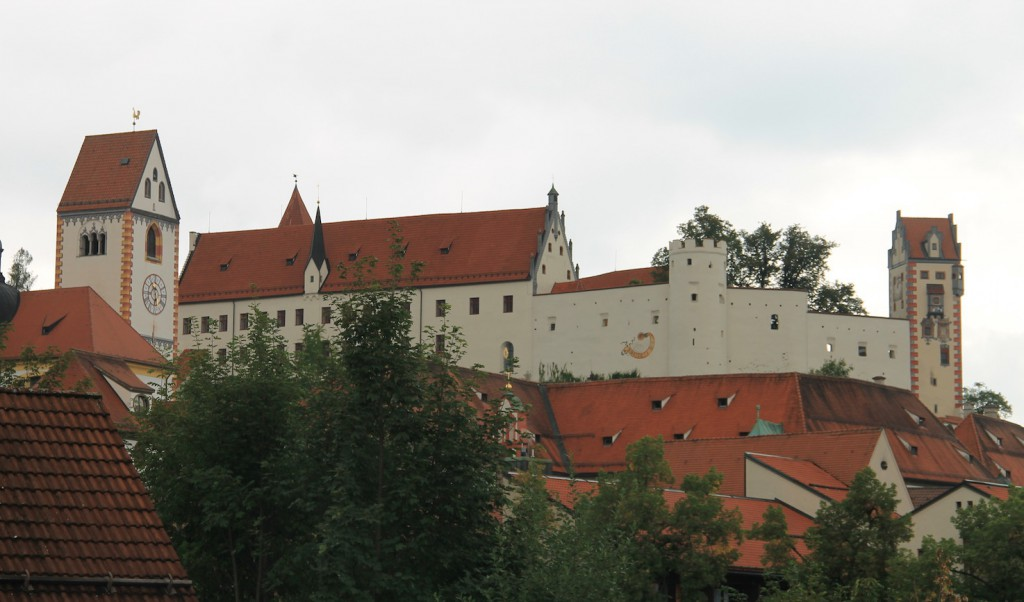 Das Hohe Schloss thront über der Füssener Altstadt.