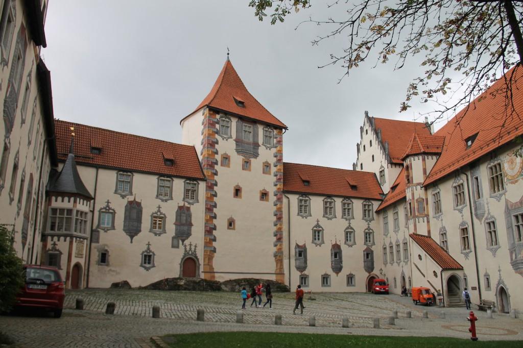 Das Hohe Schloss in Füssen. Foto oben: Burg Prunn im Altmühltal / Fotos: Burgerbe.de