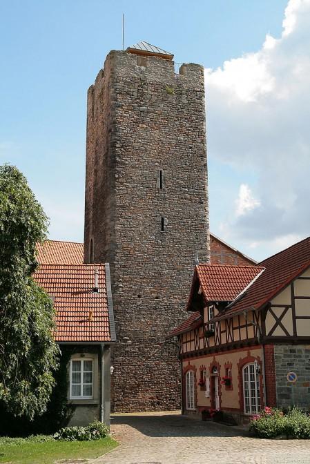 Burg Oebisfelde: Der Bergfried / Foto: Wikipedia / Losch