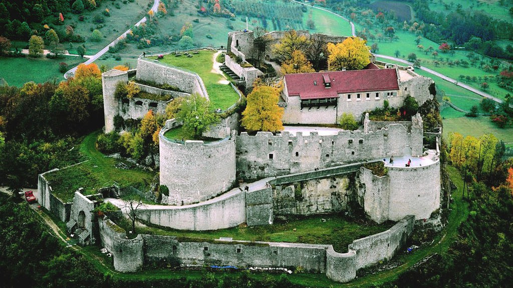 Burg Hohenneuffen Schwäbische Alb Tourismusverband e.V. in Bad Urach, Germany