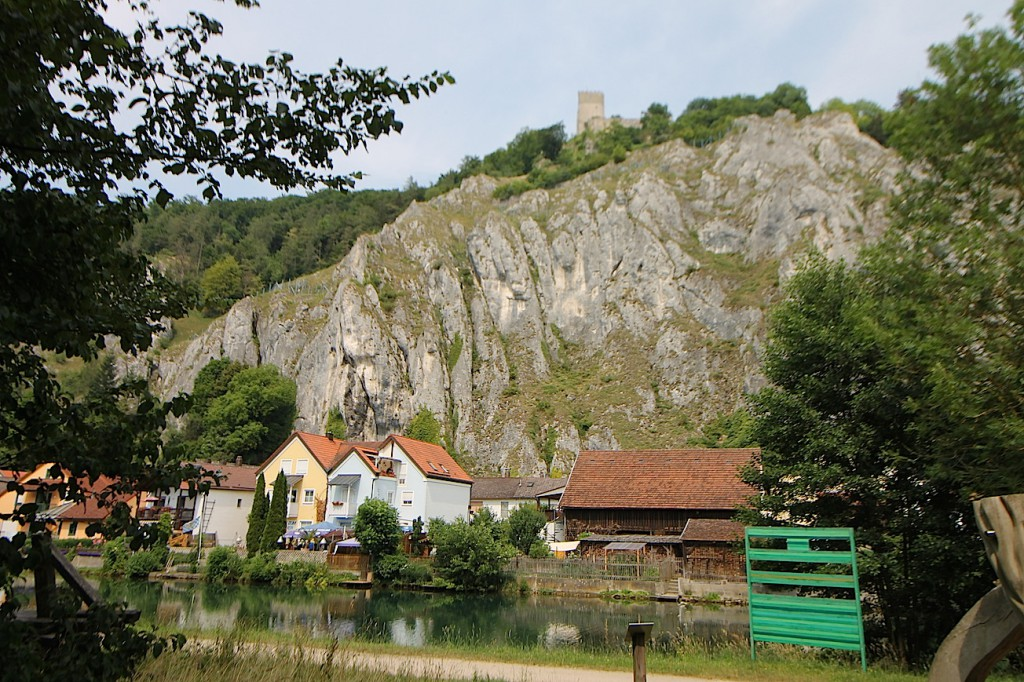 Burg Randeck über dem Altmühltal / Fotos: Burgerbe.de