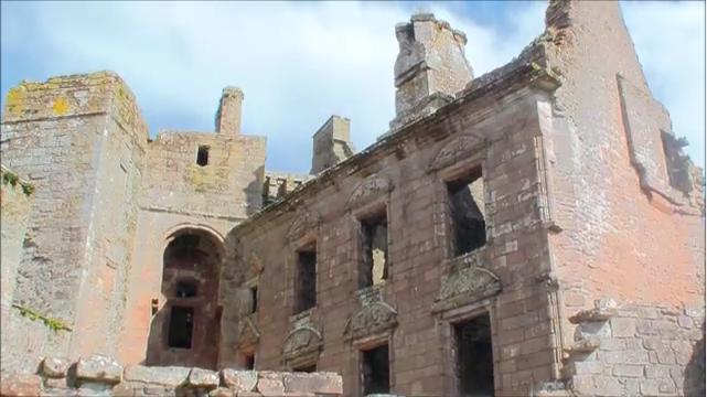 Caerlaverock Castle: Das Hauptgebäude / Bild: Screenshot Youtube