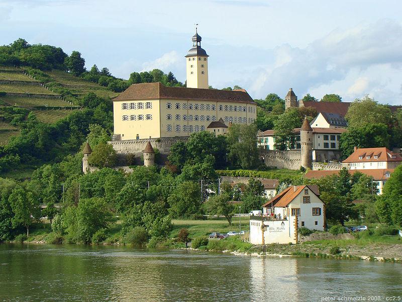 Traumhafte Lage: Schloss Horneck über dem Neckar / Foto: Wikipedia / p.schmelzle / CC-BY-SA 3.0