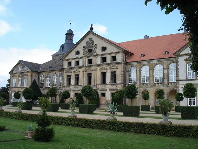 2005: Die teilsanierte Fassade / Foto: Wikipedia / Onderwijsgek / CC-BY-SA 3.0