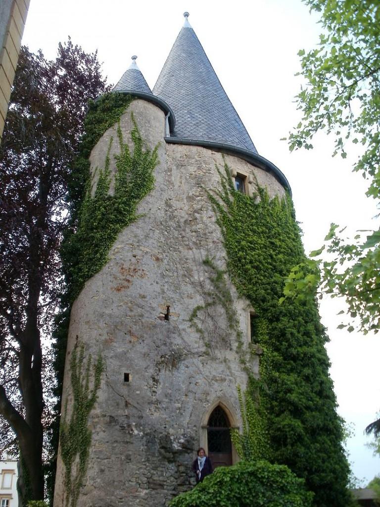 Der alte Turm von Schloss Schengen / Foto: gemeinfrei / Foto oben: Wikipedia / Cornischong / CC-BY-SA 3.0