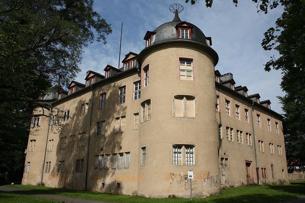 Schloss Wächtersbach ist sanierungsbedürftig / Foto: Wikipedia / Reinhardhauke / CC-BY-SA 3.0