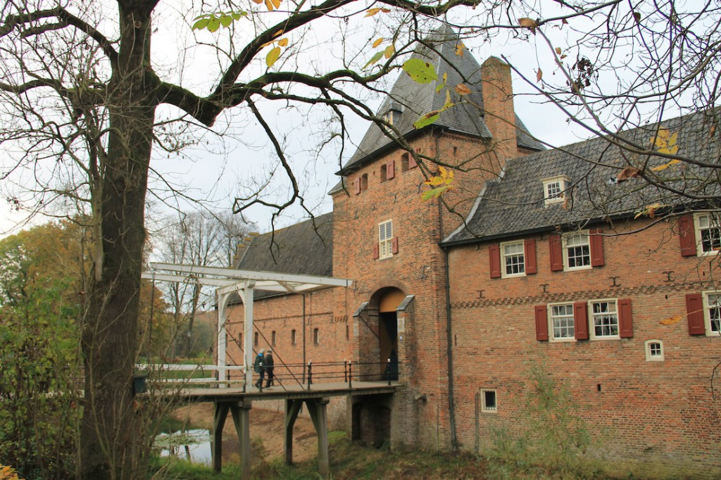 Torhaus mit Zugbrücke