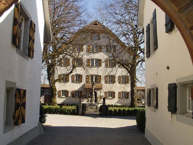 Der Innenhof von Schloss Böttstein / Foto (ebenso Foto oben): Wikipedia / MichaelFrey / CC-BY-SA 3.0