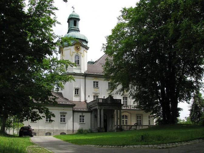 Das Schloss im Sommer / Foto: Wikipedia / Gras-Ober / CC-BY-SA 3.0