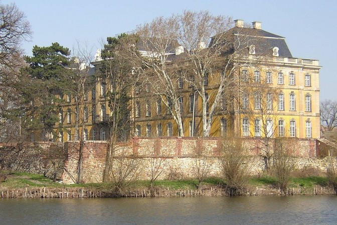 Blick auf Schloss Dornburg / Foto: Doris Antony / CC-BY-SA 3.0 / Foto oben: gemeinfrei