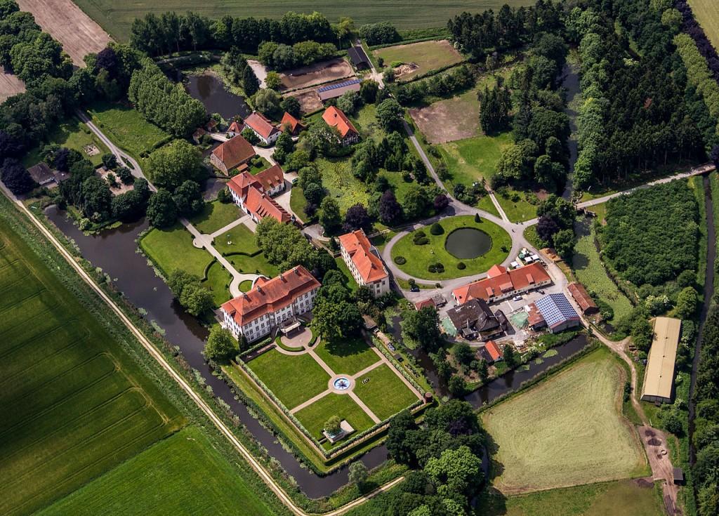 Luftbild von Schloss Harkotten / Foto: Dietmar Rabich / CC-BY-SA 4.0