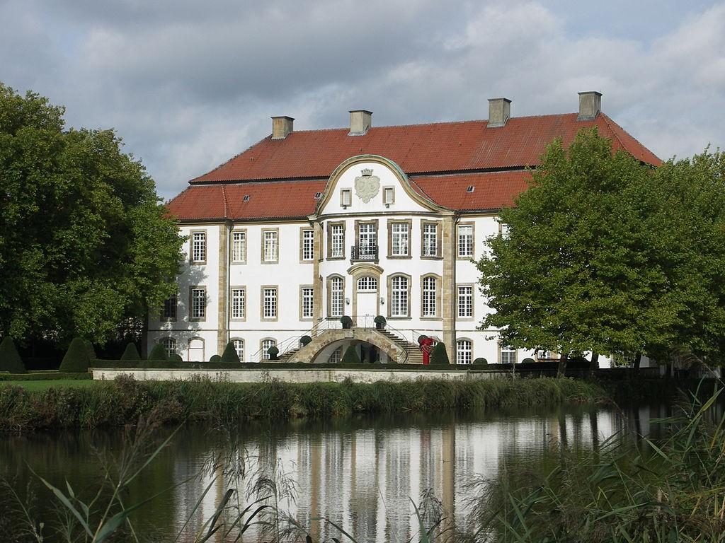 Schloss Ketteler /  Foto:gemeinfrei / Das Bild oben zeigt Schloss Korff / gemeinfrei